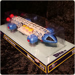 Cosmos 1999  SPACE 1999 RETRO VERSION Eagle Die Cast 30 cm Sixteen