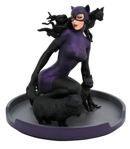 DC Comic Gallery statuette Catwoman Diamond Select