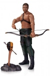 Arrow figurine Oliver Queen & Totem DC Collectibles