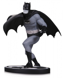 Batman Black & White statue Batman by Carmine Infantino DC Collectibles