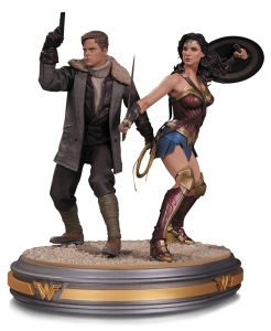 Wonder Woman and Steve Trevor Movie statue DC Collectibles