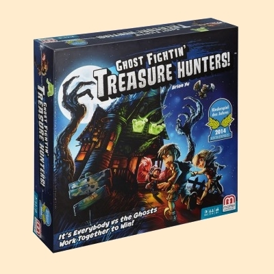 Ghost Fightin' Treasure Hunters !