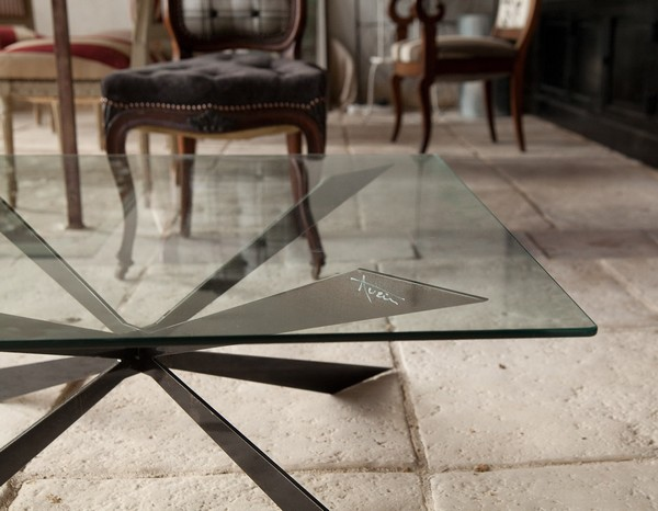 Table design acier