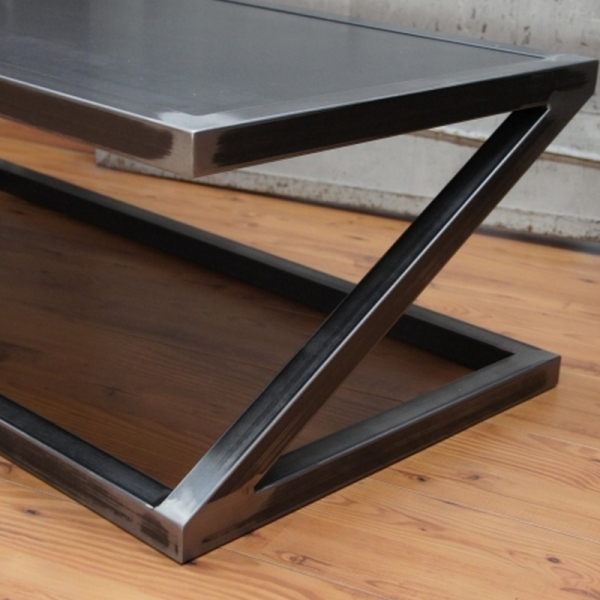 Table Zed design