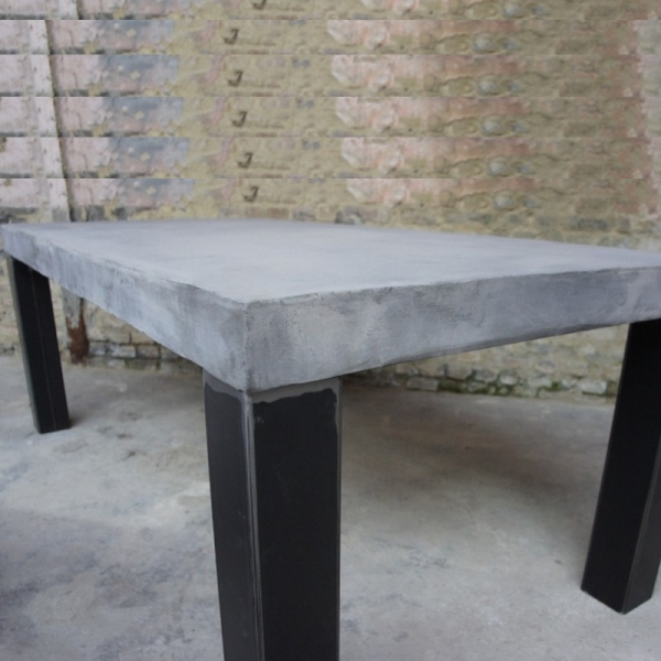Table béton design
