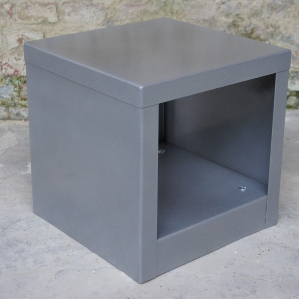Table cube rouge