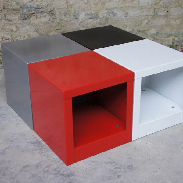 Table cube rouge table basse design table basse m tal - Table basse rouge pas cher ...