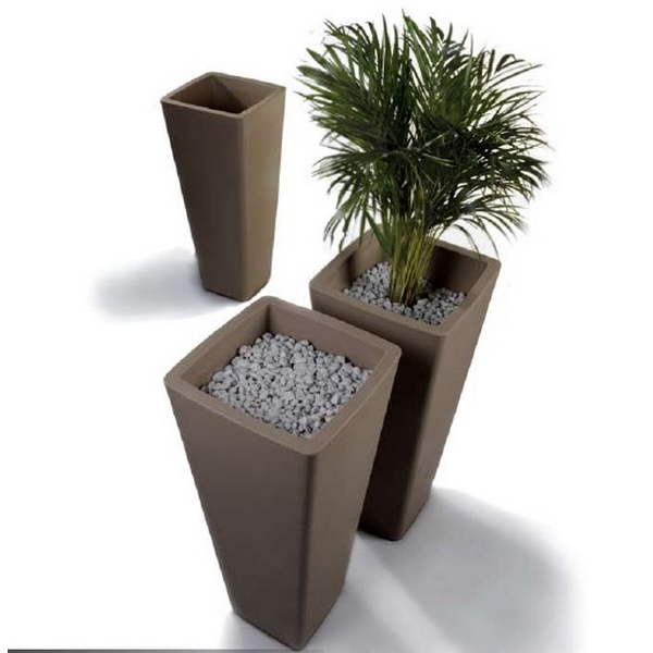 pot de fleurs design all so quiet noir blanc mobilier de jardin qui est paul. Black Bedroom Furniture Sets. Home Design Ideas