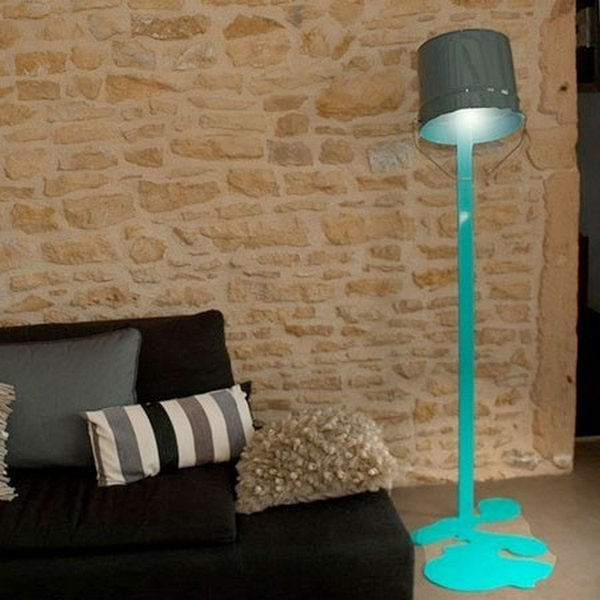 lampadaire turquoise orange oups nath be lampadaire design. Black Bedroom Furniture Sets. Home Design Ideas