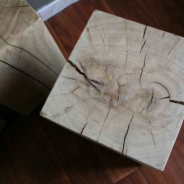 Table cube de bois brut