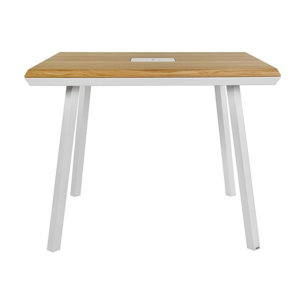Table carrée scandinave