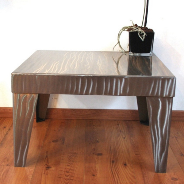 Table basse carr e acier poli table basse design for Table basse carree metal