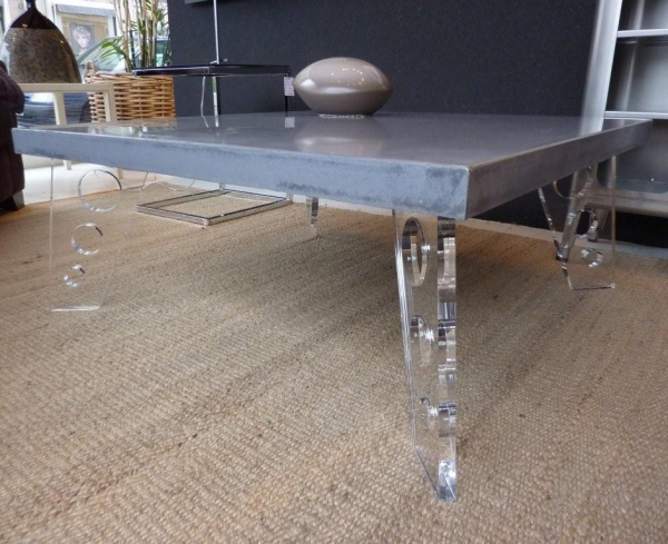 Table de salon design en b ton cir - Table de salon en beton cire ...