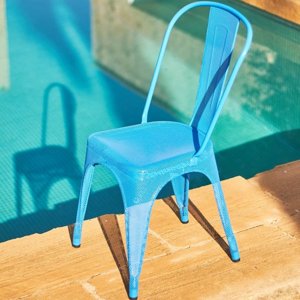 Chaise A perforée