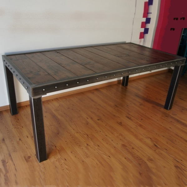 Table salle manger bois et pieds m tal table design for Table haute industrielle