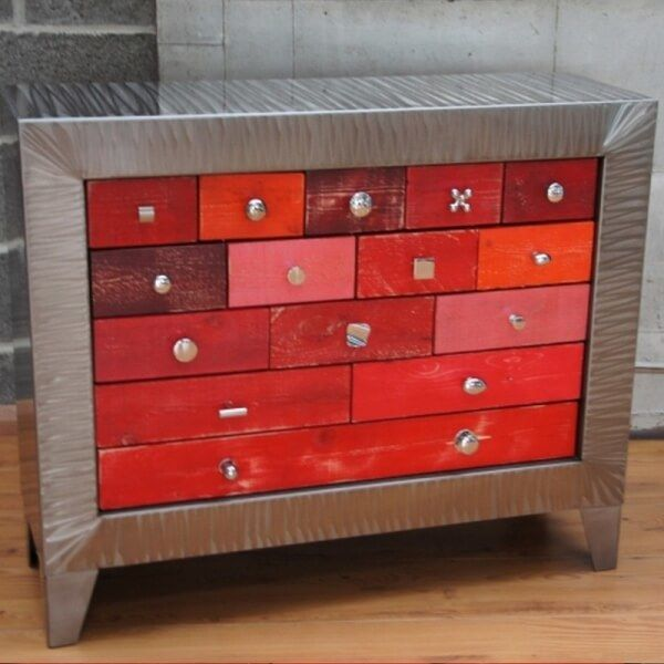 Bahut rouge buffet design buffet metal - Marque meuble design ...