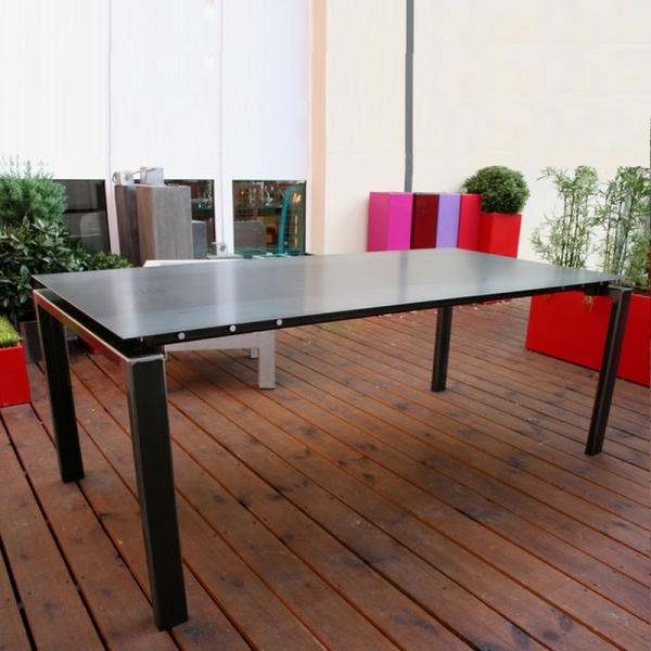 Table salle manger bois et bords m tal table salle for Table haute industrielle