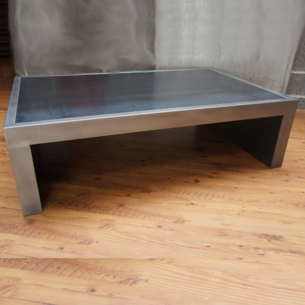 Table basse industrielle table metal table basse design for Table basse industrielle blanche