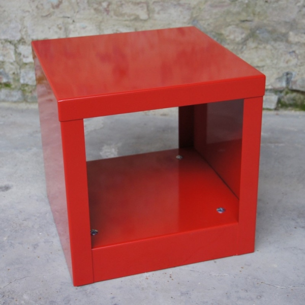 table cube rouge table basse design table basse m tal. Black Bedroom Furniture Sets. Home Design Ideas