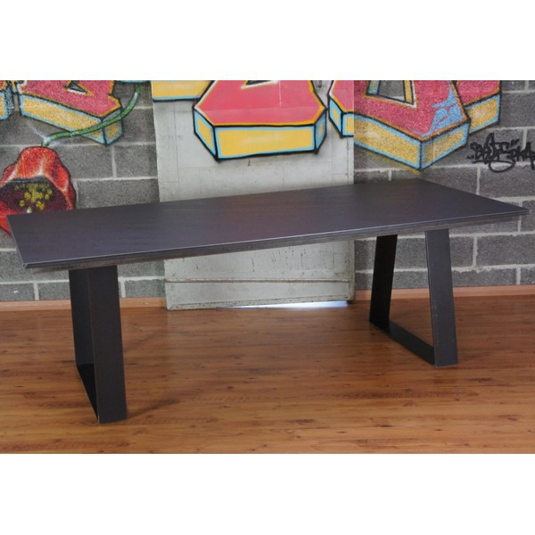 Table manger design c ramique table ceramique table for Table salle a manger en ceramique
