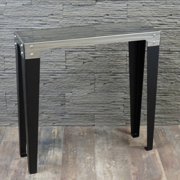 console d 39 entr e console m tal console design. Black Bedroom Furniture Sets. Home Design Ideas
