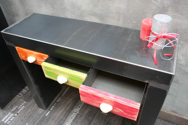 console-metallique-design-industriel