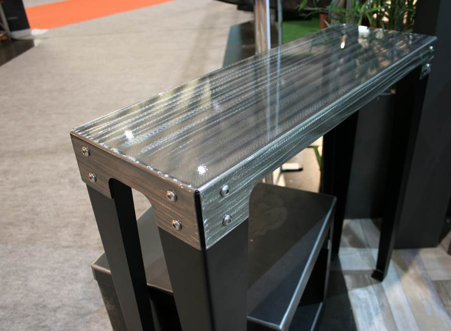 console-metallique-design