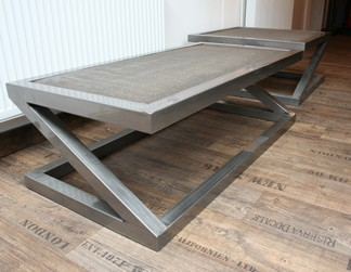 Table basse carr e beton z table basse design table for Table effet beton cire