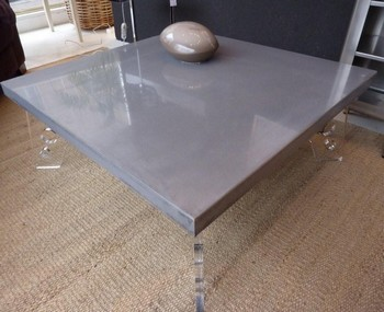 table de salon en beton