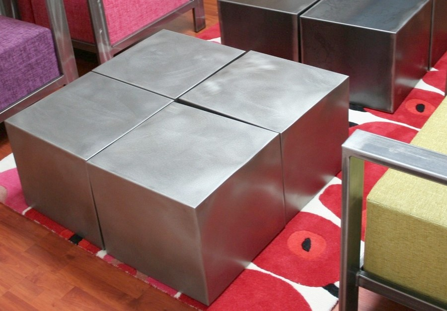 table metal 4 cubes