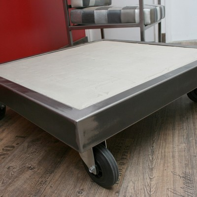 table-basse-beton-gris-clair