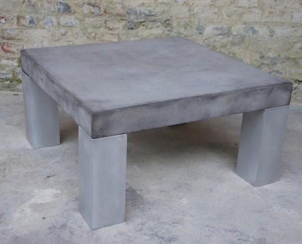 Table basse b ton table salon design table basse design for Table effet beton cire