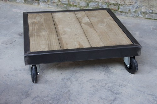 Table palette en bois et m tal roulettes table basse - Table salon metal ...