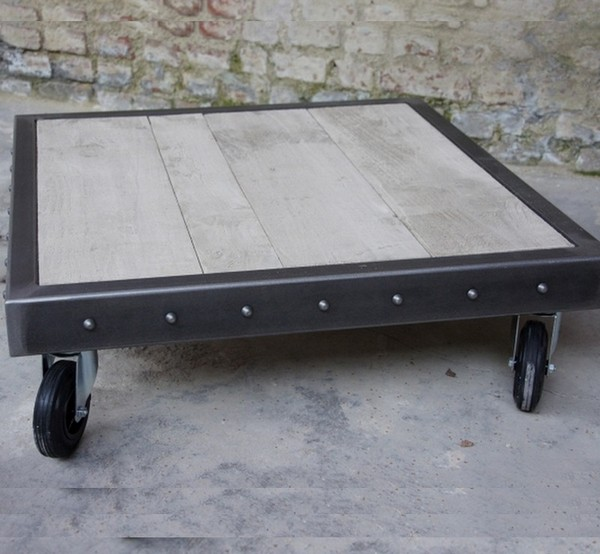 table basse rivet