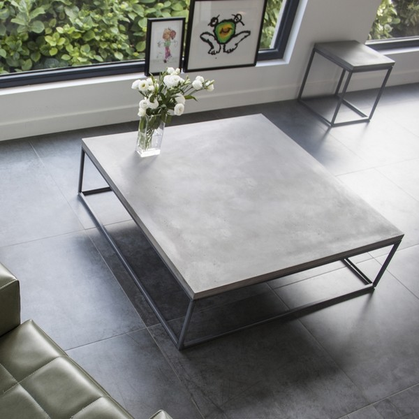 Table basse beton et metal - Table de salon en beton cire ...