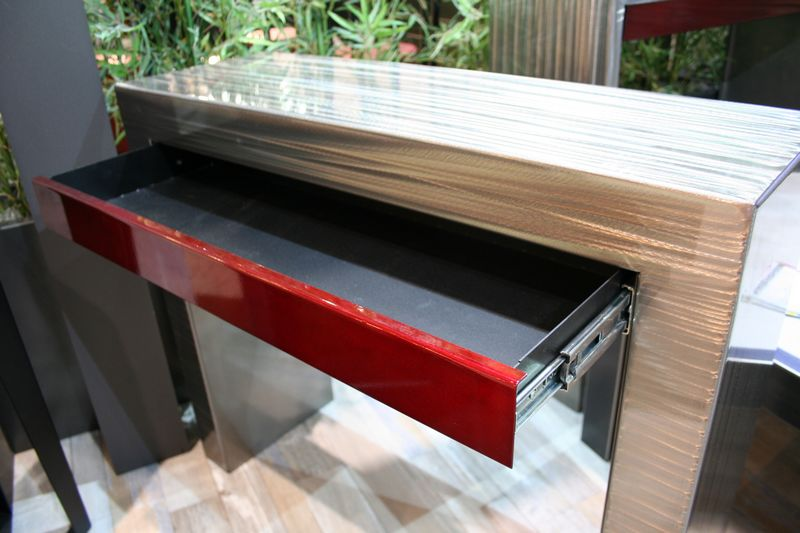 table-console-rouge