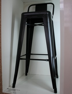 tabouret tolix petit dossier noir tabouret design. Black Bedroom Furniture Sets. Home Design Ideas