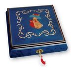 Discover below a selection of Lutèce Créations musical jewelry boxes.