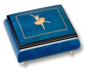 Musical ring box made in France by Lutèce Créations with traditional 18 note musical mechanism - Item # for this Lutèce Créations musical ring box : BA.18.4102