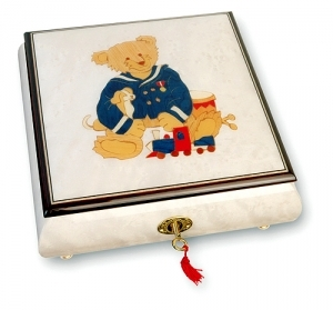 Lutèce Créations musical jewelry box made of wood with traditional 18 note musical mechanism - Item # for this Lutèce Créations musical jewelry box : OU.18.5107