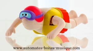 Swimmer automaton made of plastic with pink swimming cap - Item # for this swimmer automaton : AHN-01