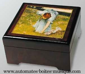 Musical jewelry box with printed photo and traditional 18 note musical mechanism - Item# for this musical jewelry box with printed photo : 89201