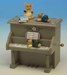Musical automaton with mice and with traditional 18 note spring musical mechanism - Item# for this musical automaton : 44003