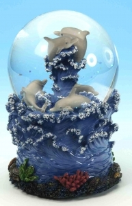 Musical snow globe made of polystone with traditional 18 note spring musical mechanism - Item # for this musical snow globe : 25078
