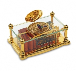Reuge mechanical Singing bird automaton in a snuff box made of glass and gilt brass - Item# for this Reuge mechanical singing bird automaton in snuff box : AXT.92.6960.000