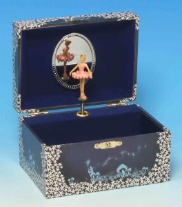 Trousselier musical jewelry box made of wood with dancing ballerina