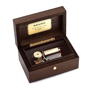 Reuge music box made of wood with traditional swiss 36 note musical mechanism - Item # for this Reuge music box : AXA.36.5340.000