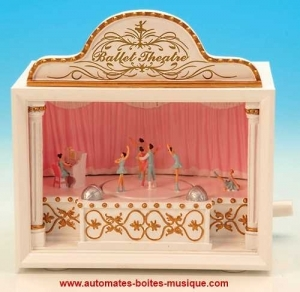 """Musical theater with automatons on the theme of the ballet sur le thème du ballet """"Swan Lake""""."""