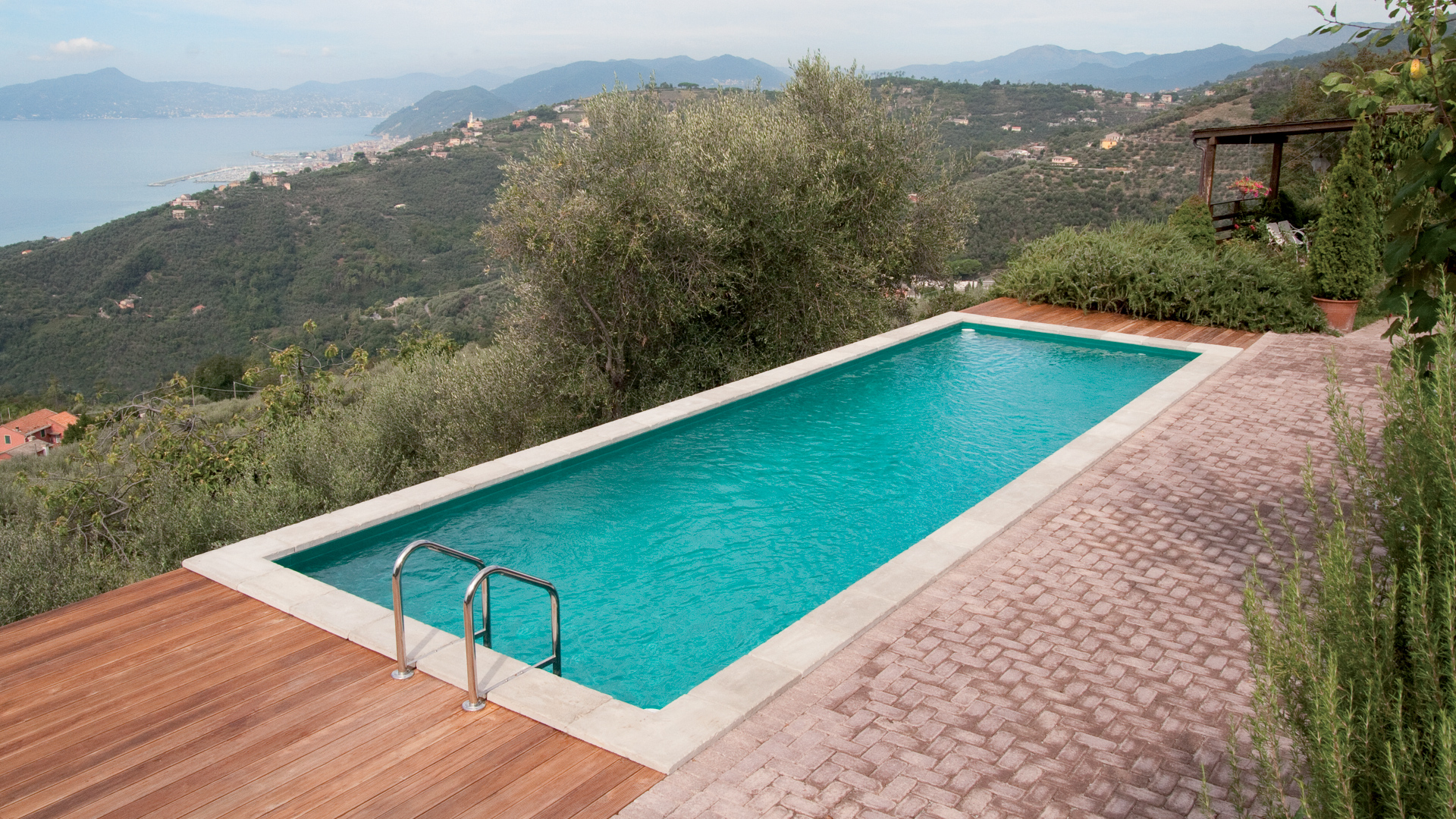 Piscine laghetto dolce vita gold for Balai piscine hors sol