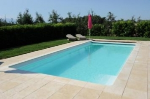 Piscine coque riviera 10 for Prix piscine 10x4